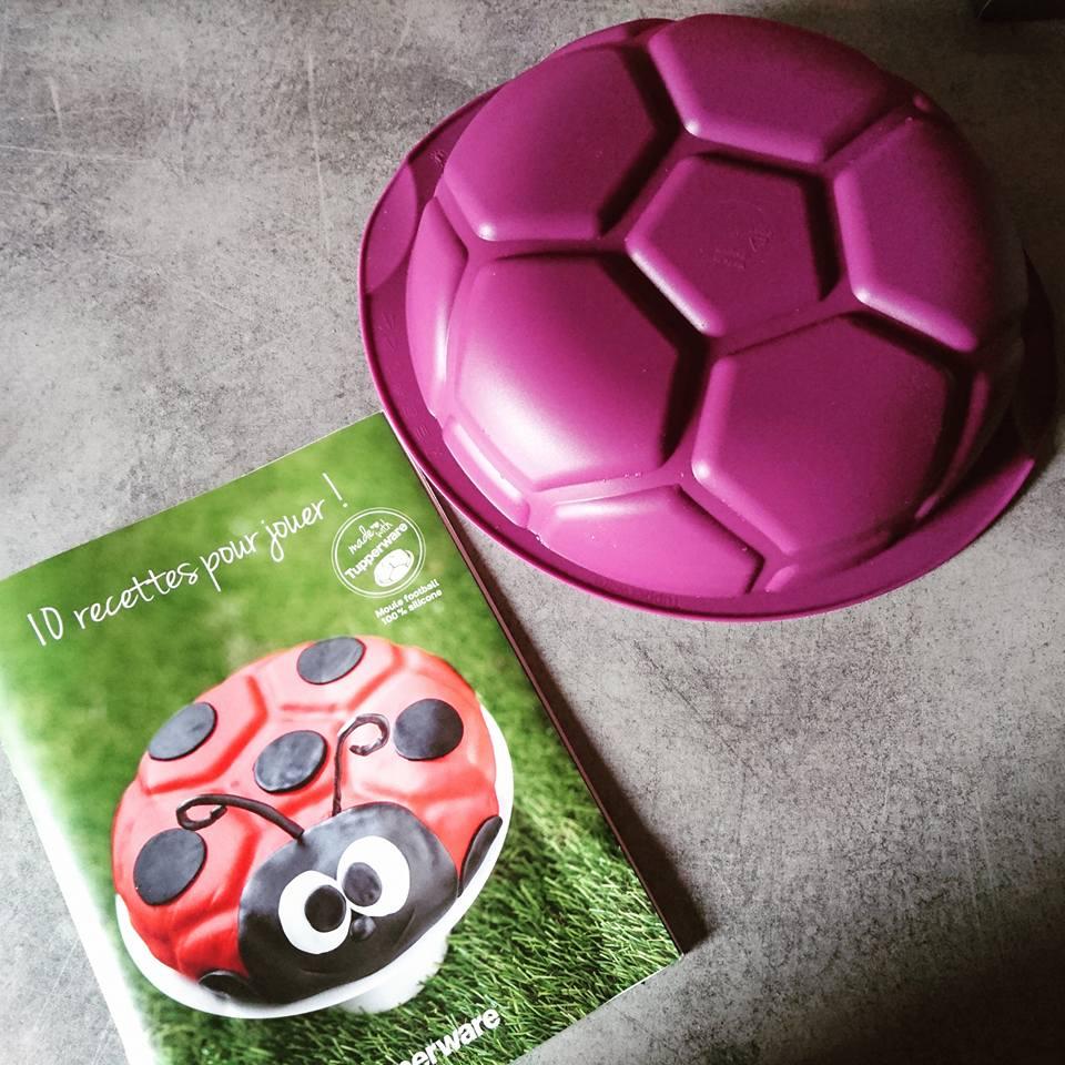 Tupperware Moule football silicone (3)